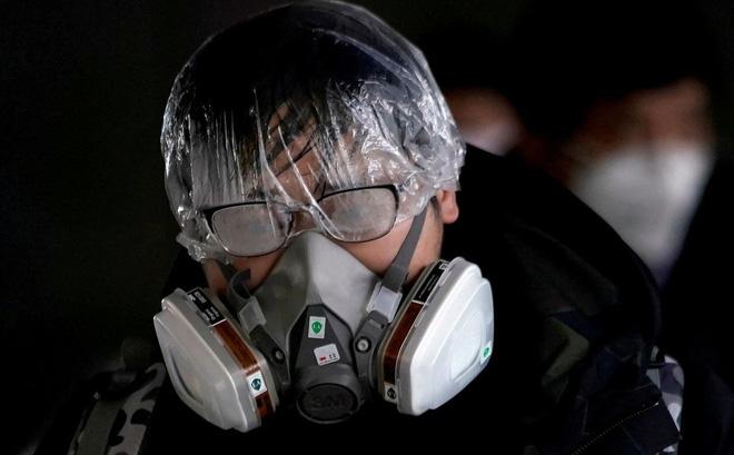 Nhà khoa học hàng đầu Trung Quốc dự báo virus corona có thể không biến mất mà sẽ trở thành căn bệnh quen thuộc này - Ảnh 1.
