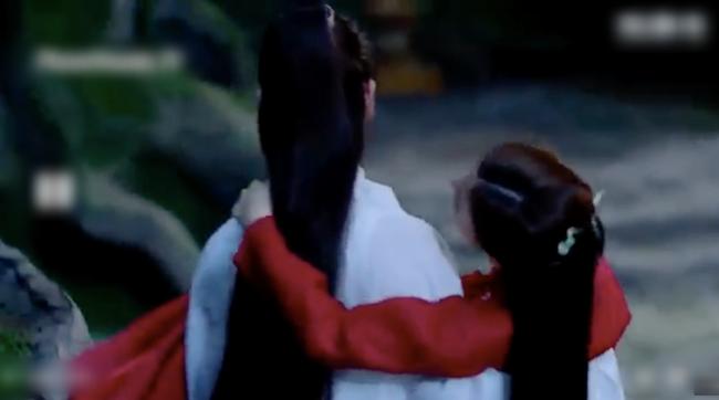 Trai đẹp U50 Quách Phẩm Siêu vừa xuất hiện ở Chẩm Thượng Thư đã nhanh tay ẵm bồng Địch Lệ Nhiệt Ba lên giường? - Ảnh 6.