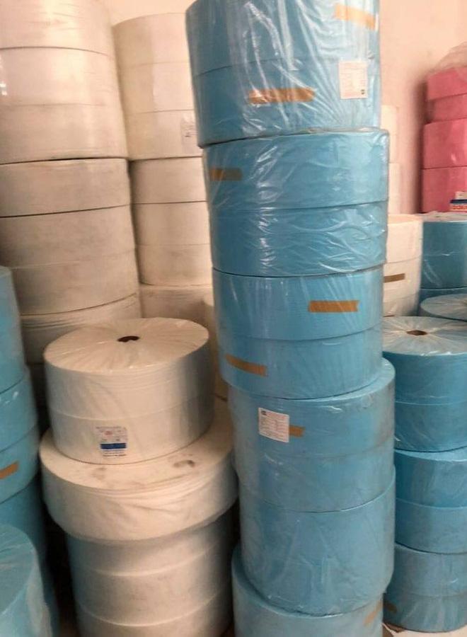Phát hiện 6.000 khẩu trang tại cơ sở sản xuất khẩu trang y tế không phép - ảnh 1