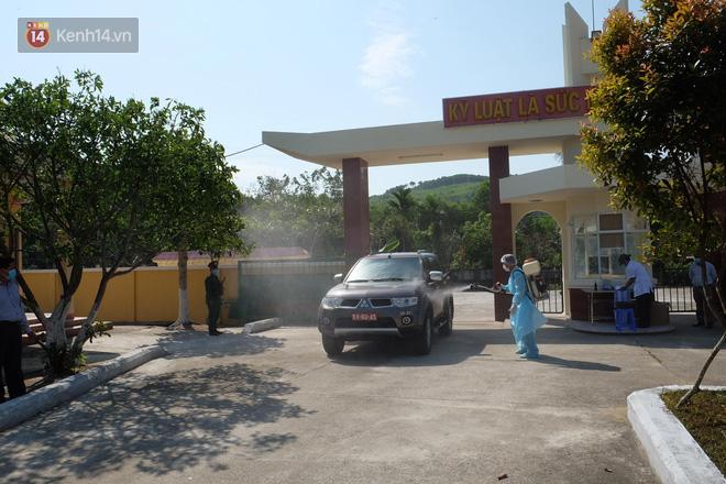 Cận cảnh bên trong khu cách ly người Việt từ tâm dịch virus Corona của Hàn Quốc về Đà Nẵng - ảnh 1