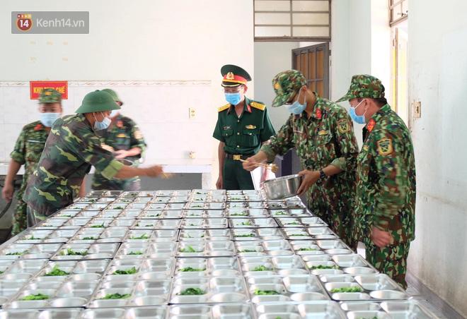 Cận cảnh bên trong khu cách ly người Việt từ tâm dịch virus Corona của Hàn Quốc về Đà Nẵng - ảnh 14