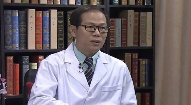 Uỷ ban Y tế Trung Quốc: Virus corona có thể tồn tại đến 5 ngày trong môi trường thích hợp, chủ yếu lây qua nước bọt và tiếp xúc - Ảnh 1.