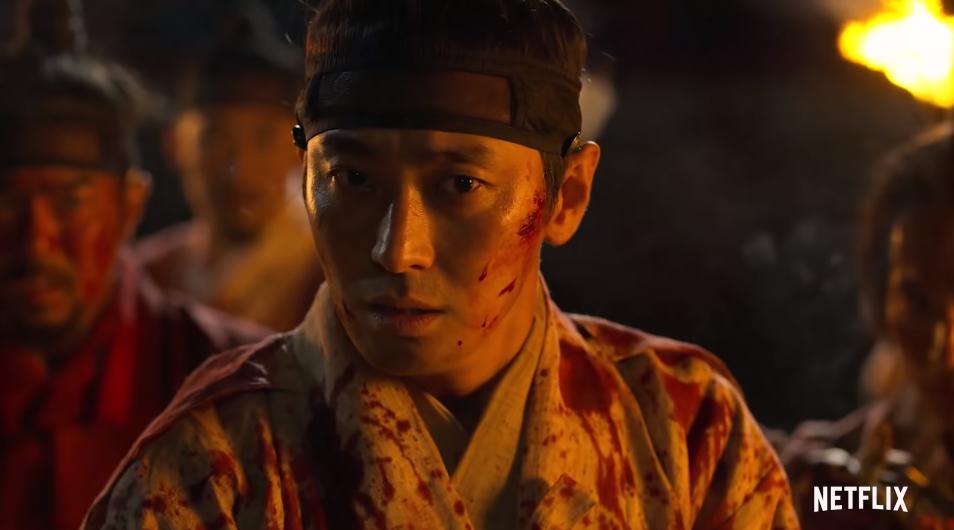 Kingdom 2 tung teaser nghẹt thở: Thái tử Lee Chang bị tập kích bởi đoàn zombie đông như kiến - Ảnh 3.