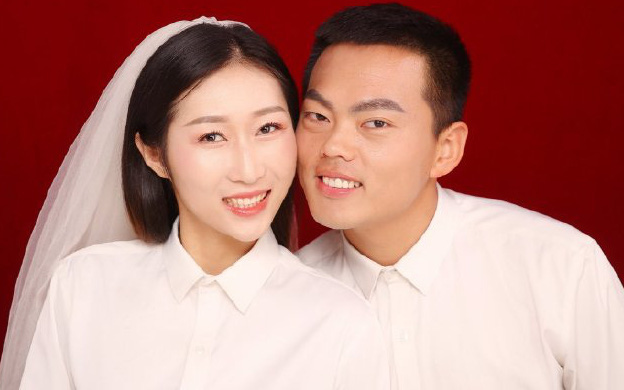 Lời ước hẹn cảm động của nữ y tá Trung Quốc chống Covid-19