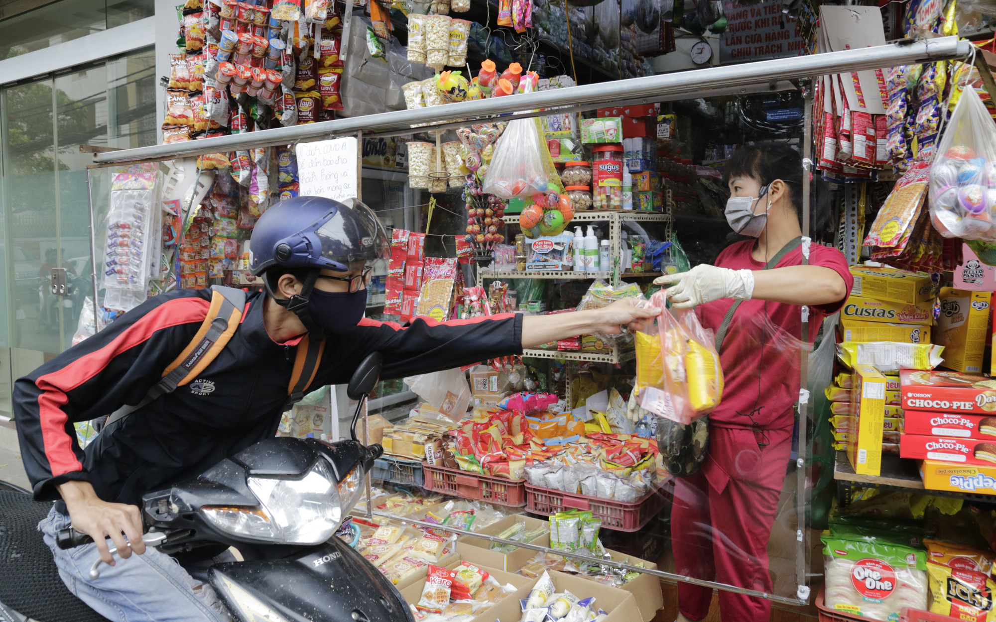 Ảnh: Chủ cửa hàng ở Hà Nội tung