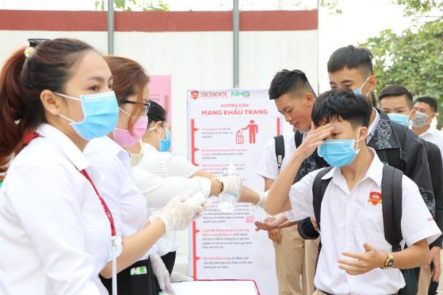 Ngành Giáo dục Hà Nội đề nghị trợ cấp cho cán bộ, giáo viên, nhân viên trường tư ứng phó dịch Covid-19 - Ảnh 1.