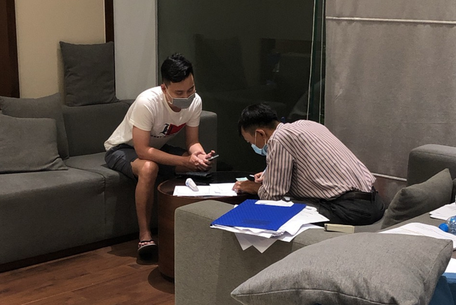 TP.HCM: Hàng chục hộ dân chung cư cao cấp có bệnh nhân nhiễm Covid-19 đóng cửa, không hợp tác lấy mẫu xét nghiệm - ảnh 2