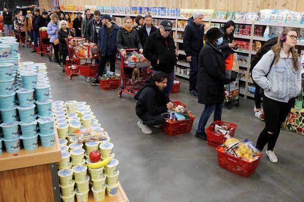 10 lưu ý giúp bạn tránh lây nhiễm Covid-19 khi phải đi mua sắm trong thời dịch - ảnh 2