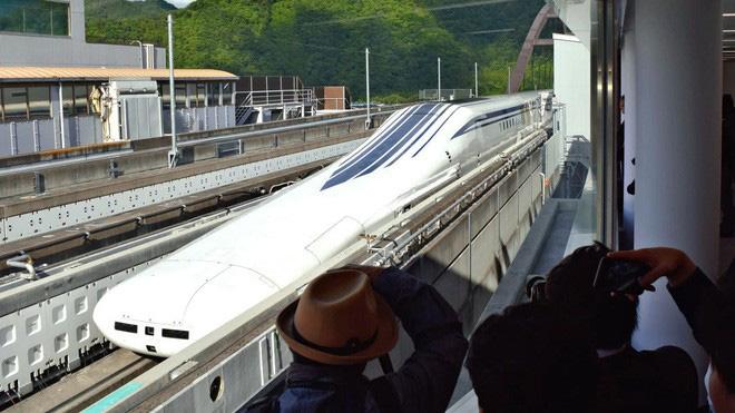 Nhật Bản giới thiệu tàu điện siêu tốc mới: Sử dụng công nghệ sạc không dây, đạt vận tốc tối đa lên tới hơn 500km/h - ảnh 2