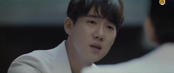 Hospital Playlist tập 3 hết tấu hài lại rút cạn nước mắt nhờ Jo Jung Suk, trở thành phim đài tVN đáng xem nhất lúc này! - ảnh 2
