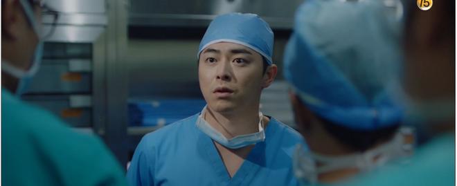 Hospital Playlist tập 3 hết tấu hài lại rút cạn nước mắt nhờ Jo Jung Suk, trở thành phim đài tVN đáng xem nhất lúc này! - ảnh 10