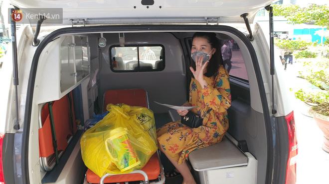3 bệnh nhân mắc Covid-19 ở Đà Nẵng vui mừng khi được xuất viện, Việt Nam đã chữa khỏi 20 ca - ảnh 2