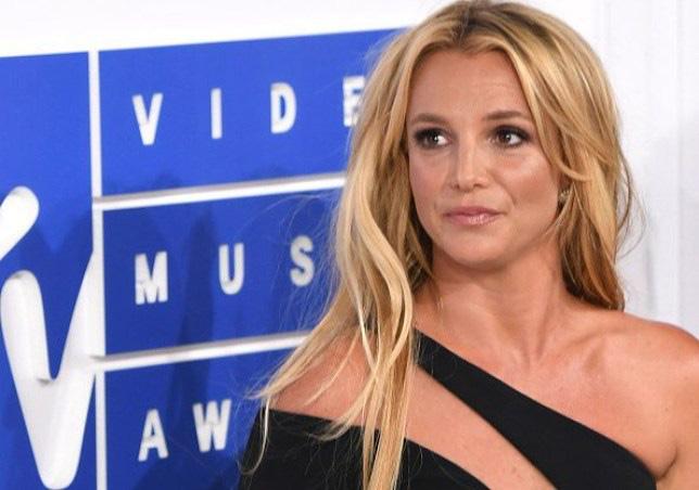 Nữ hoàng nhạc Pop Britney Spears khiến dân tình sốc nặng khi tự nhận phá kỷ lục của Usain Bolt tới 4 giây, còn đưa ra luôn cơ sở để chứng minh - ảnh 3