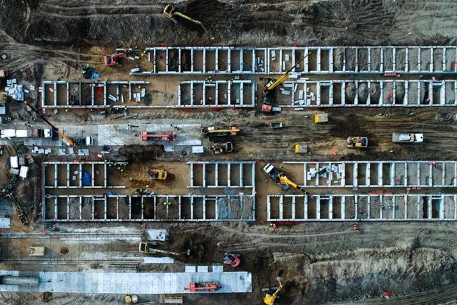 Nga cấp tập xây dựng bệnh viện dã chiến khổng lồ chống Covid-19, dự kiến hoàn thành trong 1 tháng với sức chứa 1.500 người - Ảnh 2.