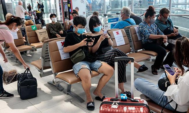 Thái Lan: Du học sinh được cha mẹ cho đi trốn dịch ở khu nghỉ dưỡng hạng sang nhưng lại tụ tập tiệc tùng với bạn bè rồi bị nhiễm Covid-19 - Ảnh 3.