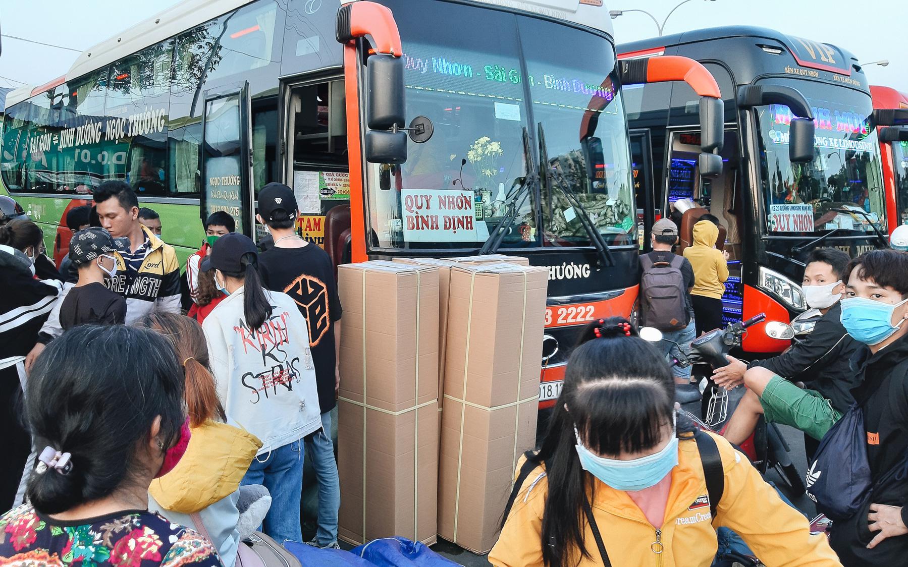 Giới hạn tần suất xe khách, tàu hỏa đi/đến Hà Nội và TP.HCM đề phòng dịch bệnh