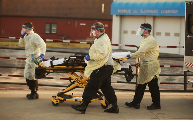 Mỹ ghi nhận hơn 2400 người thiệt mạng vì nhiễm Covid-19 trên khắp cả nước, chỉ còn lại 2 tiểu bang chưa có ca tử vong