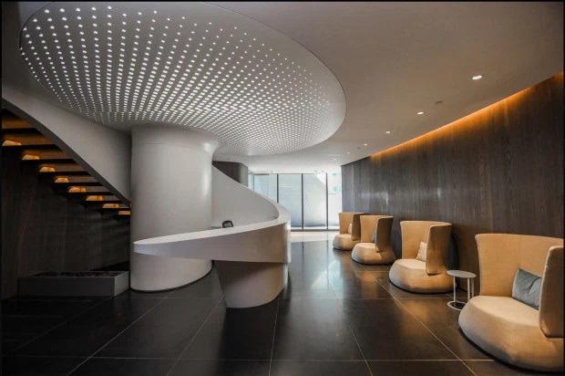 Choáng với căn hộ siêu khủng nhà Beckham mới tậu: Nằm trên tòa tháp cao nhất thành phố, phòng ốc rộng mênh mông lại có chỗ đáp trực thăng riêng - ảnh 2