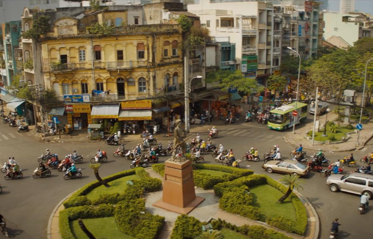 Sài Gòn xuất hiện ở trailer bom tấn hành động Disney, thoáng qua thôi cũng thấy nở mũi tự hào! - Ảnh 2.