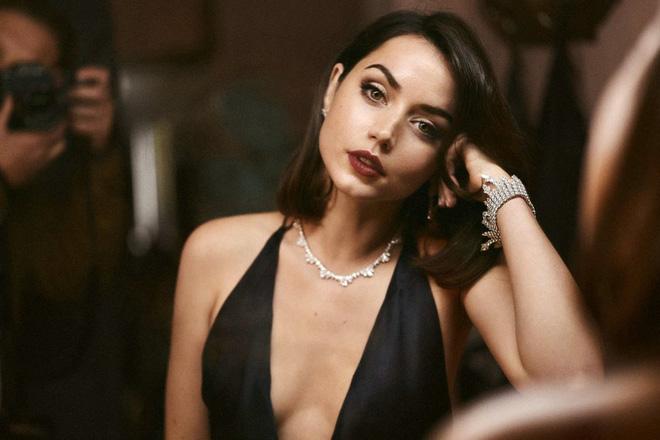 """Quả bom sex"""" Ana de Armas: Bóng hồng mới của James Bond đẹp mặn mà, tham vọng làm sao hạng A"""