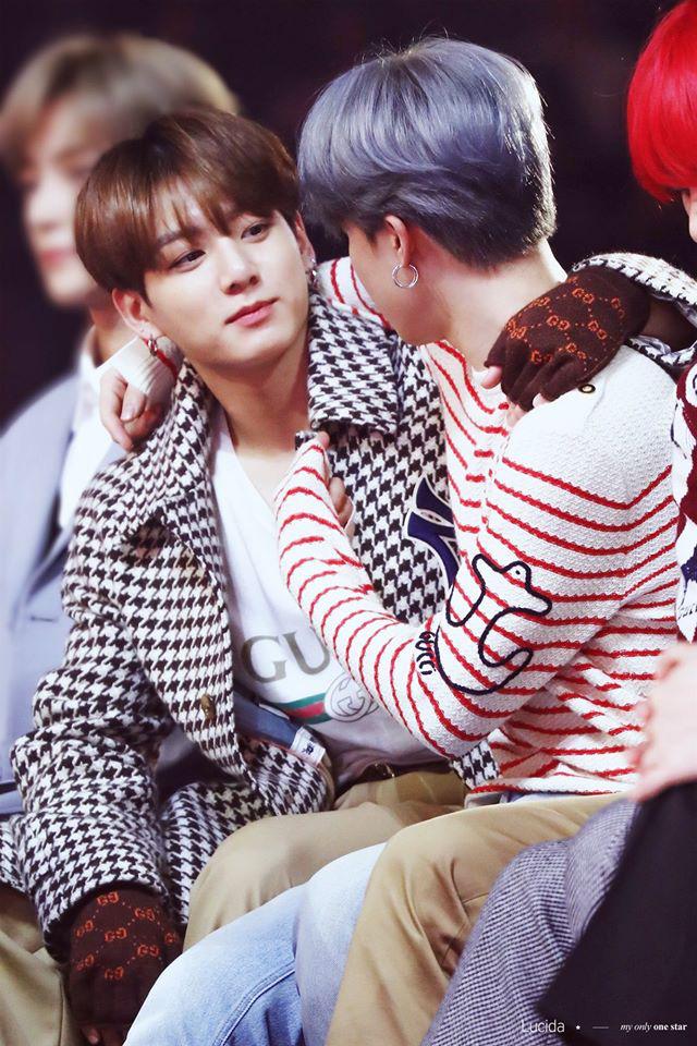 """Jimin - Jungkook (BTS) dắt tay nhau lên top trend thế giới nhờ cảnh """"giường chiếu"""" trên show thực tế: Thuyền Jikook ra khơi! - ảnh 8"""