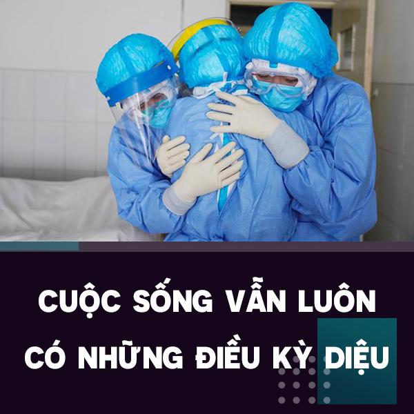 Điều kì diệu tại BV Bạch Mai những ngày cách ly toàn diện: Hàng chục y bác sĩ mặc đồ bảo hộ nỗ lực cứu sống sản phụ bị sốc mất máu, 2 lần ngừng tim - Ảnh 6.