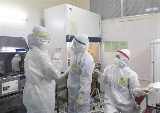 Diễn biến dịch Covid-19 ngày 15/4: Ca nhiễm số 267 là người dân thôn Hạ Lôi, Hà Nội đề xuất kéo dài cách ly xã hội đến 30/4 - Ảnh 1.