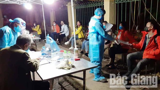 Diễn biến dịch Covid-19 ngày 15/4: Ca nhiễm số 267 là người dân thôn Hạ Lôi, 169 bệnh nhân đã khỏi bệnh - Ảnh 1.
