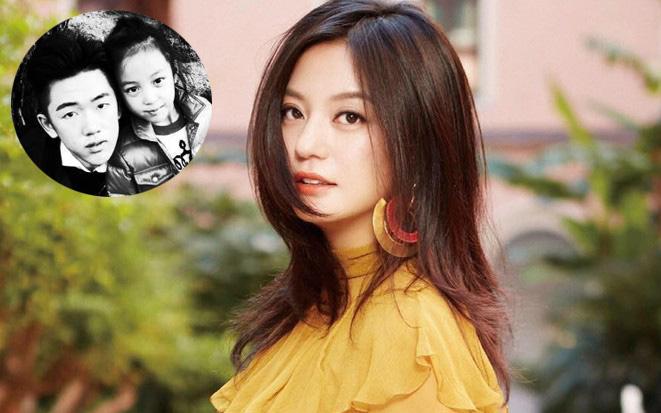 """""""Cậu con trai"""" ít ai biết của Triệu Vy chia sẻ 1 tấm ảnh, nhan sắc và mối quan hệ với em gái cùng cha khác mẹ được tiết lộ"""