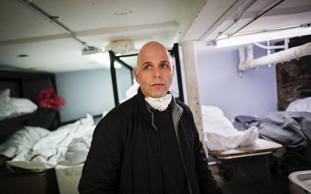Nhà tang lễ ở New York cầu cứu khi số người tử vong vì nhiễm Covid-19 tăng lên quá nhanh, đau lòng từ chối gia đình các nạn nhân