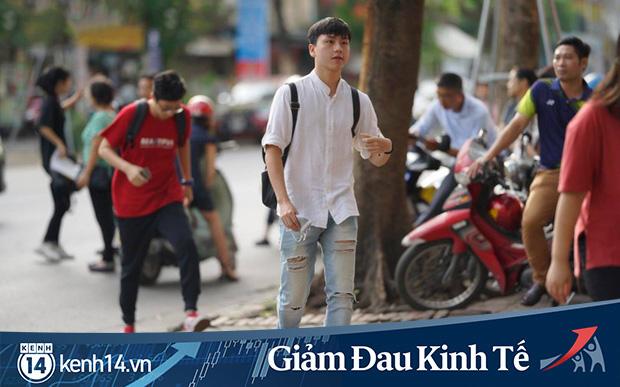 Hàng loạt trường đại học miễn giảm học phí, hỗ trợ tiền cho sinh viên nghỉ học tránh dịch