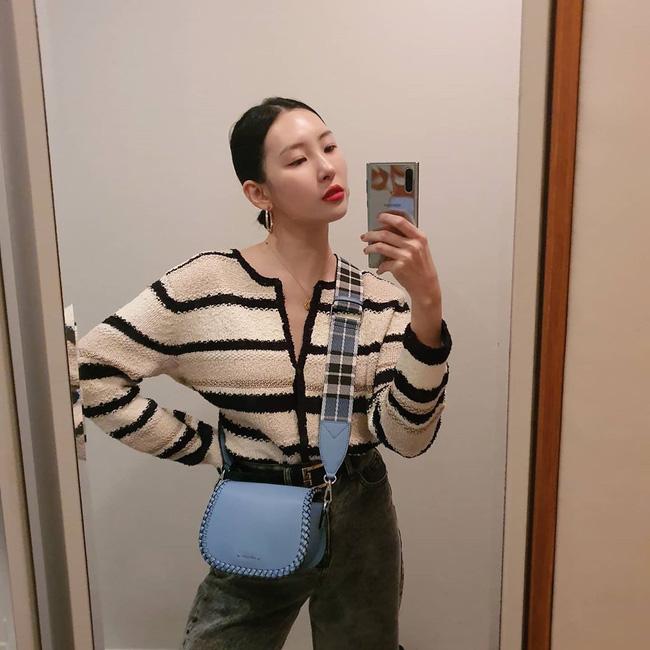 Loạt ý tưởng diện đồ cực xịn từ Sunmi giúp bạn diện lại quần áo cũ vẫn sành điệu không để đâu cho hết - ảnh 5