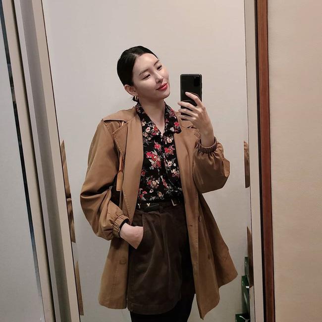 Loạt ý tưởng diện đồ cực xịn từ Sunmi giúp bạn diện lại quần áo cũ vẫn sành điệu không để đâu cho hết - ảnh 7