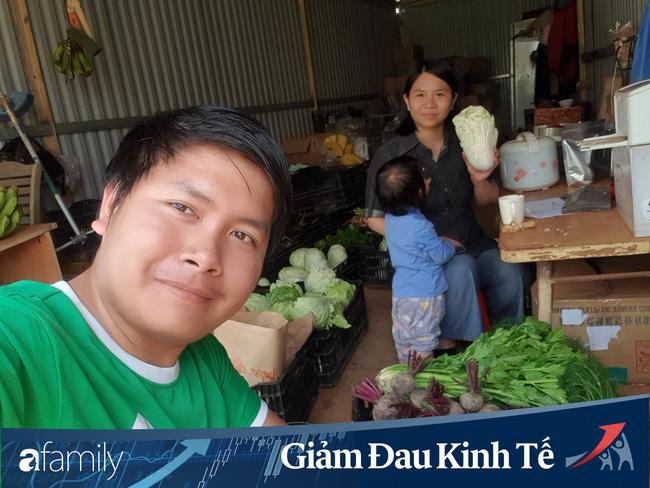 Người Đà Lạt tự giải cứu mùa dịch: Thợ ảnh đi bán ve chai, giáo viên buôn nông sản, chủ homestay nhận việc nghề tay trái - Ảnh 6.
