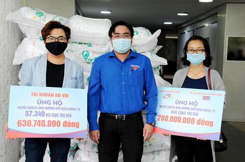 MC Đại Nghĩa phát gạo cho người dân nghèo giữa dịch bệnh và hạn mặn kéo dài, con số đã lên đến tận 150 tấn! - ảnh 1