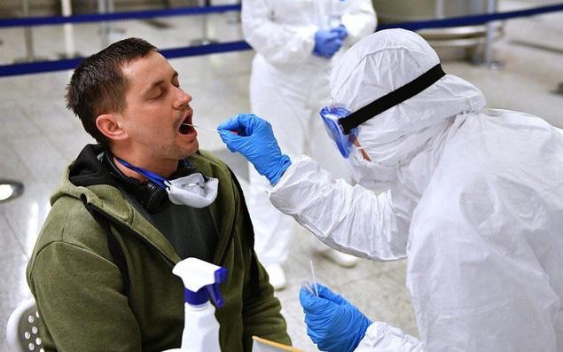 CDC (Mỹ) cho phép người từng tiếp xúc ca bệnh Covid-19 đi làm trở lại - ảnh 1
