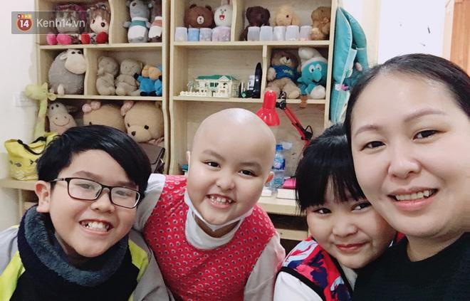 """Bé gái 8 tuổi bị ung thư máu buộc phải ghép tuỷ: """"Con ước đây chỉ là giấc mơ thôi mẹ, tỉnh dậy con sẽ khỏe mạnh như trước"""" - Ảnh 7."""