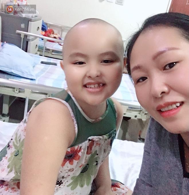 """Bé gái 8 tuổi bị ung thư máu buộc phải ghép tuỷ: """"Con ước đây chỉ là giấc mơ thôi mẹ, tỉnh dậy con sẽ khỏe mạnh như trước"""" - Ảnh 12."""
