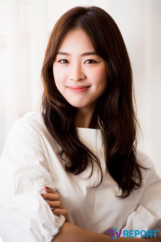 Sự nghiệp đầy tranh cãi của Lee Yeon Hee - mỹ nhân hạnh phúc nhất SM vừa lên xe hoa - ảnh 1