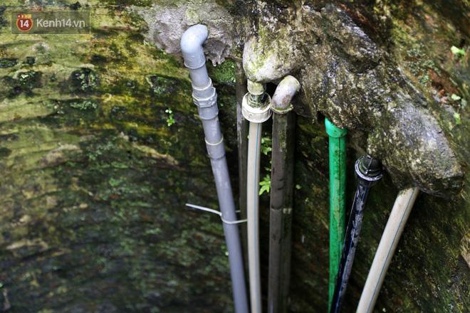 """Lạ kỳ giếng cổ quanh năm nước trong xanh, mát lạnh giữa lòng Hà Nội: """"Những cụ cao tuổi nhất cũng không biết giếng có từ bao giờ"""" - ảnh 10"""