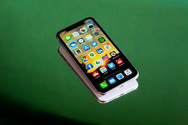 """Chiếc iPhone """"mini"""" mà Apple sắp ra mắt cuối năm nay sẽ có hình thù và ngon nghẻ ra sao? - ảnh 1"""