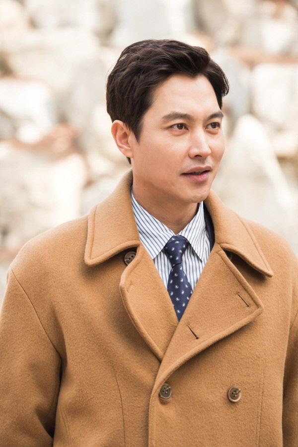 Mợ ngố Song Ji Hyo bắt trend gái ế Jang Nara, hóa mẹ đơn thân cặp kè cả anh rể G-Dragon ở phim mới Did We Love? - Ảnh 3.
