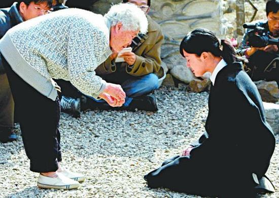 Mỹ nhân Mối tình đầu Lee Seung Yeon: Nàng Á hậu từng làm điên đảo cả châu Á cuối cùng ngậm đắng nuốt cay vì scandal chấn động, quỳ gối cầu xin cũng không được tha thứ - ảnh 6