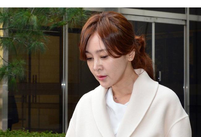Mỹ nhân Mối tình đầu Lee Seung Yeon: Nàng Á hậu từng làm điên đảo cả châu Á cuối cùng ngậm đắng nuốt cay vì scandal chấn động, quỳ gối cầu xin cũng không được tha thứ - ảnh 8