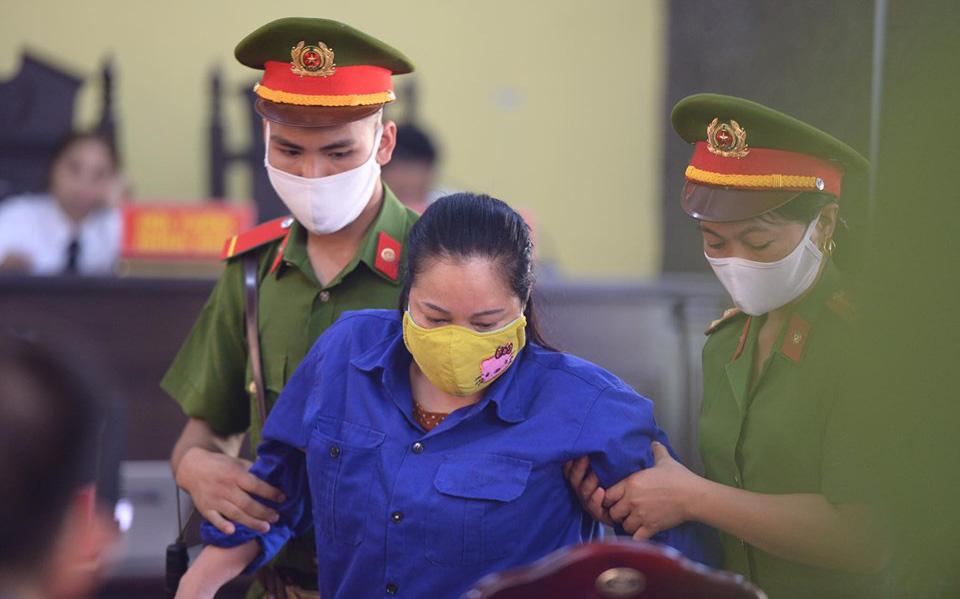"""Xét xử gian lận thi THPT ở Sơn La: Mẹ bỏ gần nửa tỷ chạy điểm để con """"vào bằng được trường công an"""""""