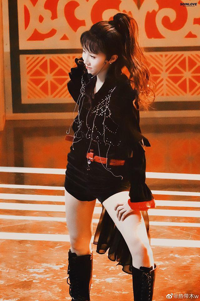 Visual gây tranh cãi Thanh Xuân Có Bạn tối nay: Tomboy Lưu Vũ Hân đột ngột lột xác thành thiếu nữ tóc dài, body siêu nuột - ảnh 3