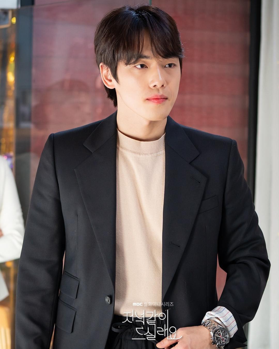 Chị đại Triều Tiên Seo Ji Hye hóa dân hổ báo, đè đầu cưỡi cổ thánh lừa đảo ở phim mới  Shall We Eat Dinner Together - Ảnh 3.