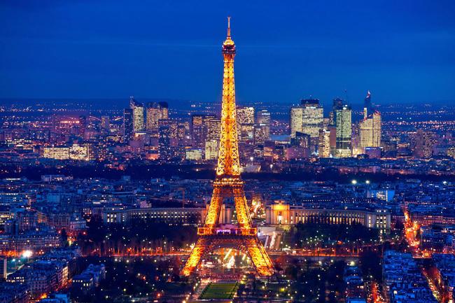 Tháp Eiffel nổi tiếng thế giới thì ai cũng biết nhưng trên đỉnh tòa tháp này còn ẩn chứa một bí mật bất ngờ và vô cùng đặc biệt - ảnh 3