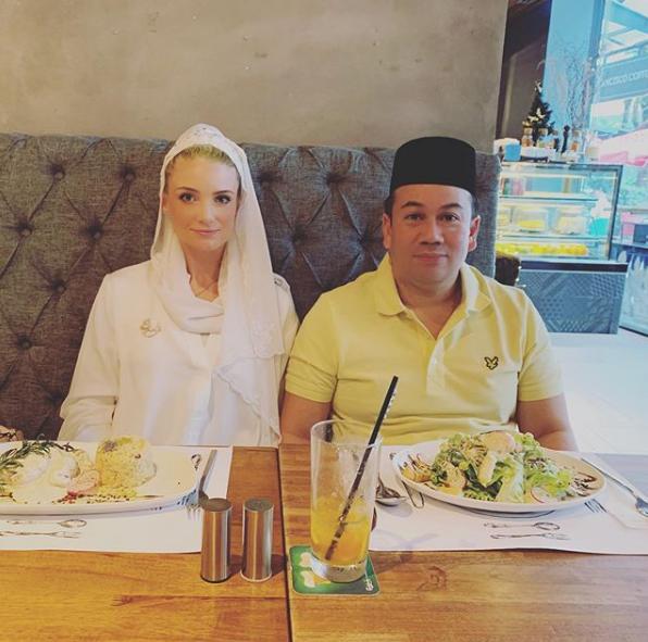 Từng bị phản đối vì quá khác biệt, nàng dâu ngoại quốc của hoàng gia Malaysia có cuộc sống thay đổi hoàn toàn sau 1 năm kết hôn với Thái tử - ảnh 9