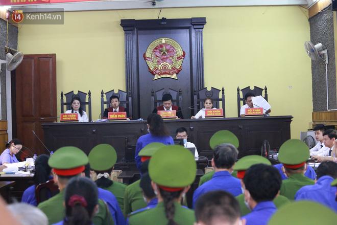 Xét xử gian lận thi THPT ở Sơn La: Kẻ có vai trò chính khai 3 lần bị ép cung - ảnh 2